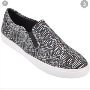 Clarks Leather Black White Dot Slip On Sneaker 10
